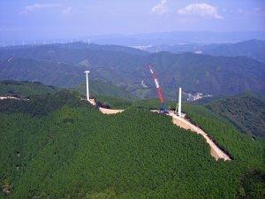 風力発電が並んでいます